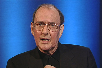 Harold Pinter delivering laureate speech
