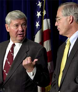 Photo of Bob Graham and Porter Goss from the Joint Inquiry into 9/11