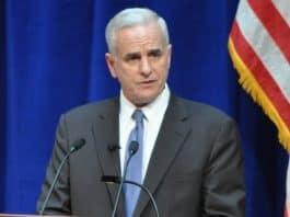 Photo of Senator Mark Dayton